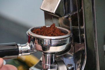 Не изхвърляйте утайката от кафе – ето 7 приложения в домакинството